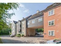 2 bedroom flat in Linacre Court, Headington,