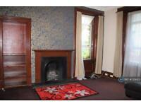2 bedroom flat in Love Street, Paisley, PA3 (2 bed)