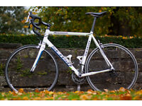Sensa Romagna Road Bike, 20 speeds, 60 cm frame, includes a new Shimano pedals unboxed