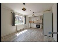 1 bedroom flat in Culford House, London, N1 (1 bed) (#1056634)