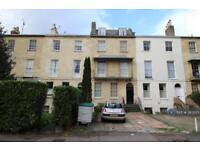 1 bedroom flat in Cambray Place, Cheltenham, GL50 (1 bed)