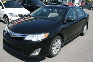2014 Toyota Camry XLE **CUIR/TOIT/NAVIGATION** 67 171KM*
