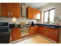3 bedroom flat in Nelson Road, Crouch End, N8