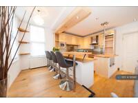 2 bedroom flat in Ellesmere Road, London, W4 (2 bed)
