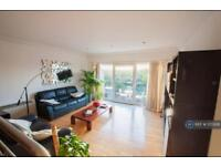 3 bedroom flat in Parkview Court, London, SW6 (3 bed)