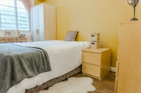 Couple Double Room in Paddington area