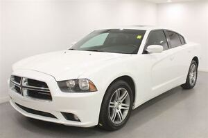 2013 Dodge Charger SXT|Auto| Loaded| Low Kms| PST Paid!!