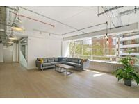 Desk Space to Rent - Central London Spacious Office with Natural Light - Old Street / Clerkenwell