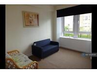 Studio flat in Maxwellton Street, Paisley, PA1
