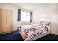*Discount* Grand Double Bedroom in Hanger Lane