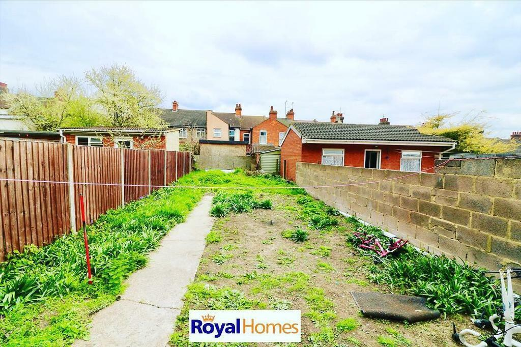 Peachy 3 Bed House To Rent Just Off Leagrve Road Luton Close To Town 1100 Pcm In Luton Bedfordshire Gumtree Download Free Architecture Designs Lukepmadebymaigaardcom