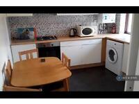 2 bedroom flat in Harlesden Road, Willesden Green, NW10 (2 bed)