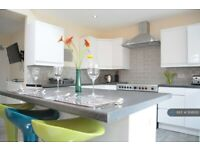 1 bedroom in Oak Avenue, Owlsmoor, Sandhurst, GU47 (#1108100)