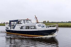 Dutch Barge Steel Motor Yacht Cruiser Widebeam liveaboard in London canal boat