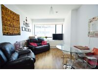 A modern two double bedroom flat in the heart of North Finchley, close to Tube and bus links N12