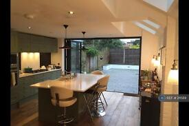 5 bedroom house in Holmewood Rd, London, SW2 (5 bed)