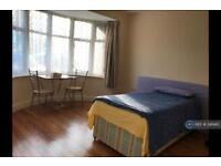 1 bedroom in Greenford Road, London , UB6