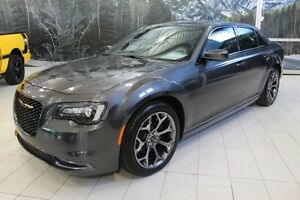 2016 Chrysler 300 S *CUIR/TOIT/NAV/CAMERA RECUL*