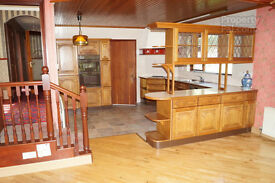 complete Oak kitchen and appliances