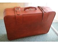 Suitcase Red/Orange Vintage Beautiful Old Classic Style