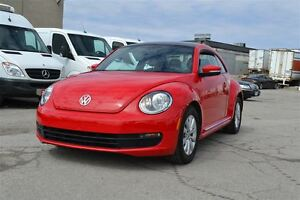 2013 Volkswagen Beetle NAV, MOONROOF, BLUETOOTH