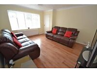 Room for rent £330pcm All Bills inc. Super fast WIFI Town Centre
