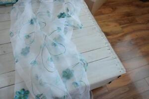Decorative Shower Curtain & Matching Curtain Rings - Like New!