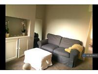2 bedroom flat in Prideaux Road, London, SW9 (2 bed)