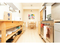 AVAIL NOW! Spacious 2 bedroom flat in Meadowbank.