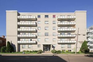 141 CAMERON-PROMOTION---ALL UTILITIES INCLUDED! BALCONIES
