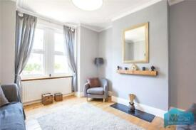 2 bedroom flat in Brownlow Road, Finchley, N3