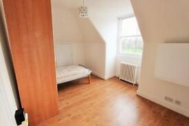Studio flat in Turlewray Close, Finsbury Park