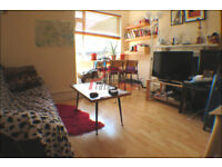 *** Spacious one bedroom in Earlfield for only £1,050pcm ***
