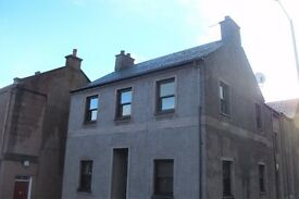 Immaculate two-bedroomed flat available for rent in central Blairgowrie.
