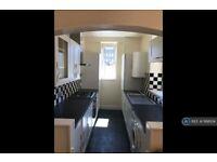 2 bedroom flat in Summerfield Terrace, Aberdeen, AB24 (2 bed) (#1168104)