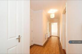 2 bedroom flat in Batavia Road, Sunbury On Thames, TW16 (2 bed)