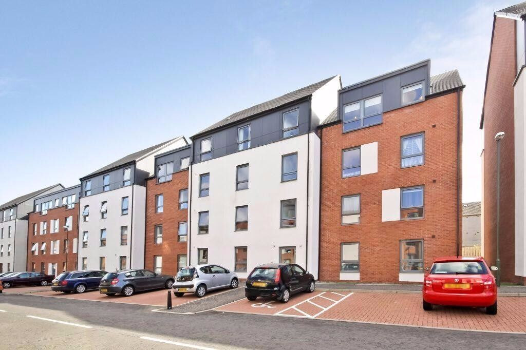 Unfurnished Four Bedroom Apartment on Ferry Gait Crescent - Edinburgh - Available 02/10/2017