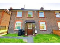 Ideally situated 4/5 bedroom house £100pppw