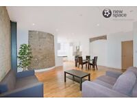 2 Bed 2 Bath ex Chocolate Factory Conversions/walking wardrobe in Prime location of Old Street