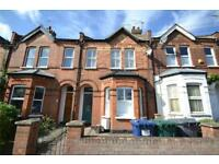 4 bedroom house in Grove Road, North Finchley, N12