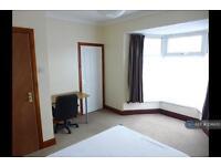 5 bedroom house in Cromwell Street, Swansea, SA1 (5 bed)