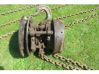 1 TON YALE TRIPLE GEARED PULLEY BLOCKS A GREAT QUALITY ITEM.