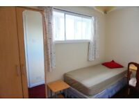 Stunning Single room is all ready now. 2 weeks deposit. No extra fee!