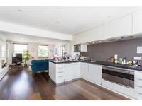 3 bedroom flat in Caversham Road, Kentish Town NW5