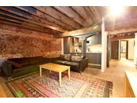 Stunning 2 bed apartment in warehouse conversion walking distance to the heart of canary wharf-