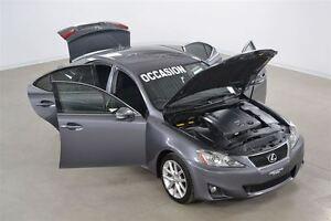 2012 Lexus IS 250 RWD Manuelle 6 Vitesses Impeccable !!!