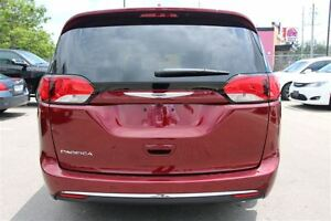 2017 Chrysler Pacifica Touring-L *LOW KMS* London Ontario image 8