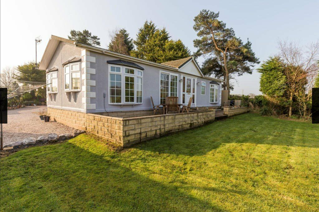 Beautiful detached lodge in Over Kellet near Carnforth, all fittings & furniture included in price
