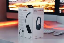 Brand new beats solo 3 wireless Matt black original price 249£ still sealed