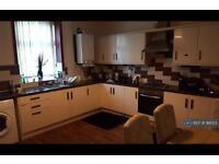 3 bedroom house in Scarlett Street, Burnley, BB11 (3 bed)